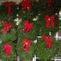 $2 Off Wreaths